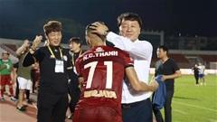 HLV Chung Hae Seong đồng ý ngồi lại ghế HLV trưởng CLB TP.HCM