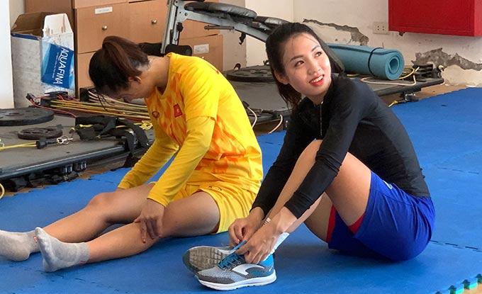 Cầu thủ nữ xinh đẹp này đã có 1 tháng tập phục hồi tại Trung tâm đào tạo bóng đá trẻ Việt Nam