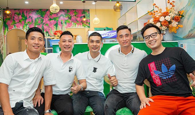 """BTV Quang Việt đến dự lễ khai trương quán """"Rau má tươi healthy"""""""