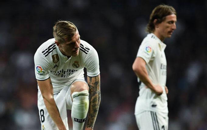 Bộ đôi Kroos - Modric đều đã đến tuổi băm và Real cần sự tươi mới nơi tuyến giữa