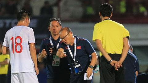 Hoãn vòng loại World Cup sang năm 2021: Các ĐT Việt Nam bị dồn toa