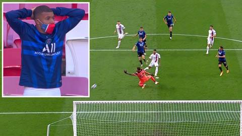 Mbappe sốc toàn tập khi chứng kiến Neymar bỏ lỡ cơ hội siêu ngon