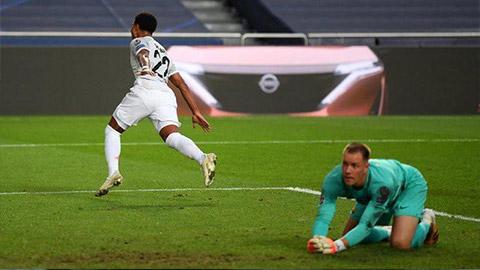 Barca thua Bayern, Ter Stegen nhận 'thất bại kép'