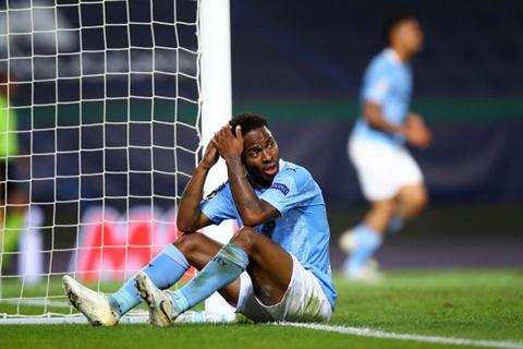 Sterling đá bay hy vọng của Man City lên trời
