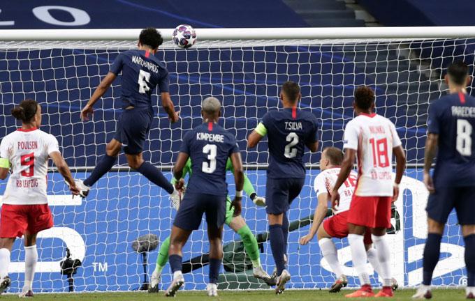 Các cầu thủ phòng ngự của PSG đã có 1 trận đấu xuất sắc khi vừa góp công vào bàn thắng vừa giữ được sạch lưới