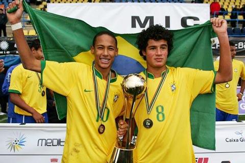 Coutinho (phải) và Neymar lên ngôi vô địch giải trẻ MICFootball 2008 ở tuổi 16