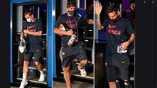 Những video độc, dị nhất tuần: Thua thảm Bayern, Barca bị fan phục kích ở khách sạn chửi bới