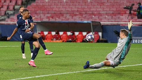 Mbappe không thể đánh bại Neuer trong một tình huống đối mặt