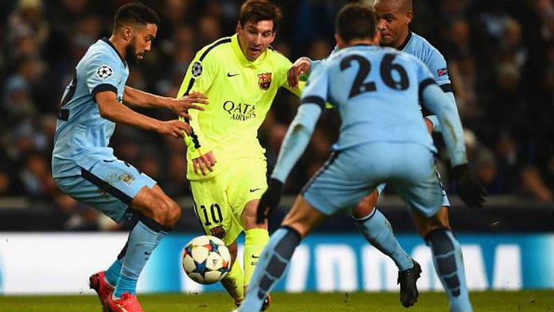 Chuyền chọc khe phá nát hàng thủ đối phương là điều Messi thường làm khi lớn tuổi