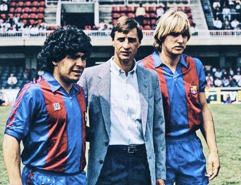 Từ trái sang phải, Maradona, Cruyff và Schuster
