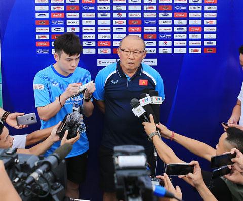 Lứa cầu thủ sinh năm 1999 trở về sau đang tích cực rèn luyện theo những giáo án của HLV Park Hang Seo Ảnh: Đức Cường