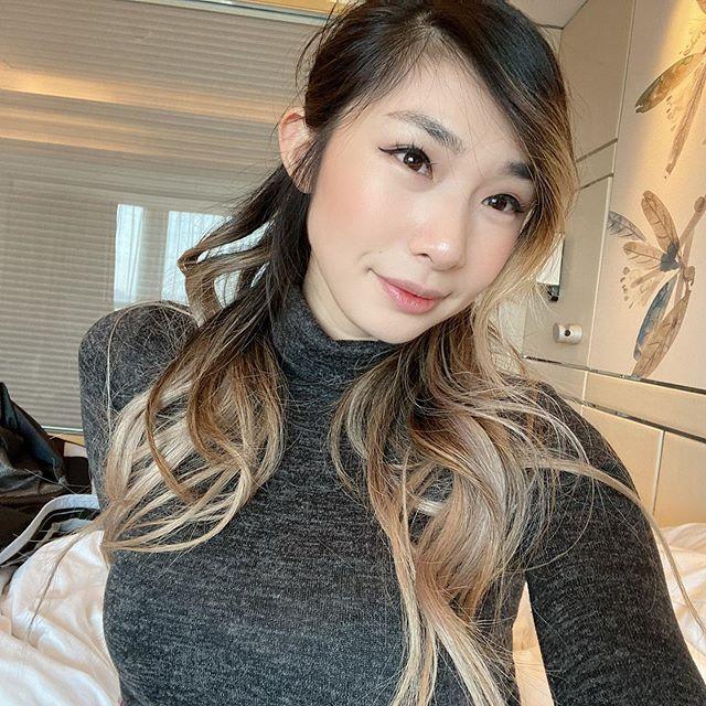 """Ngoài """"mác"""" bạn gái ngôi sao LMHT và chủ tịch TSM, Leena Xu còn thu hút sự chú ý của cộng đồng game thủ nhờ vẻ ngoài quyến rũ"""