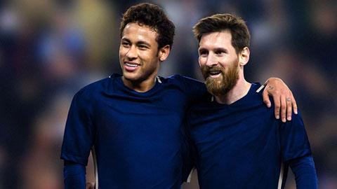 Việc ký hợp đồng kèm các điều khoản khá thoáng với Messi hay Neymar (trái) đã và đang khiến Barca gặp khó