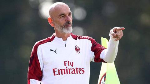 Mối quan hệ thân thiết với HLV Pioli có thể sẽ kéo Chiesa (ảnh chủ) tới Milan