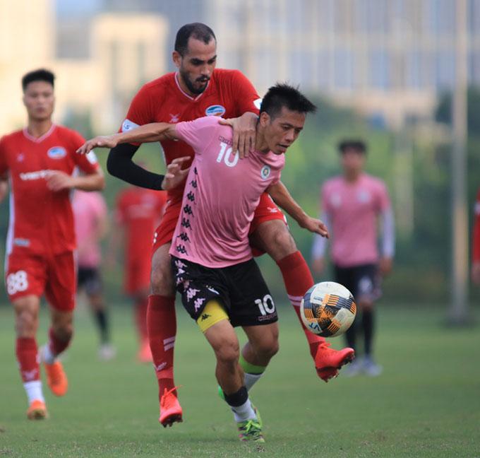 """Chiều ngày 2/9, Hà Nội FC có trận đá tập """"lượt đi"""" với Viettel tại Trung tâm bóng đá Viettel"""