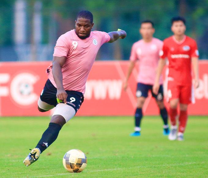 Rimario được tung vào sân trong hiệp 2 và ghi thêm 1 bàn thắng. Hà Nội FC cũng để thủng lưới 1 bàn sau quả đá phạt từ Hồ Khắc Ngọc bên phía Viettel