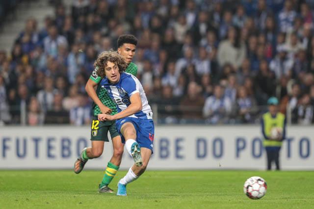 Fabio Silva: Thần đồng tuổi teen được so sánh với siêu sao Cristiano Ronaldo