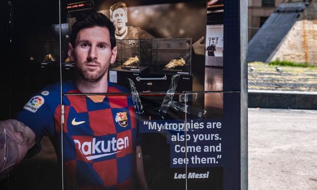 Sau tất cả, Messi lại chẳng đi đâu