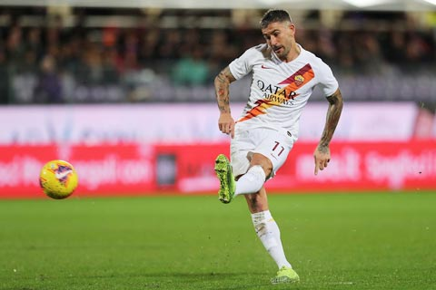Trong 3 mùa giải khoác áo Roma, Kolarov chính là cầu thủ đá phạt tốt nhất Serie A