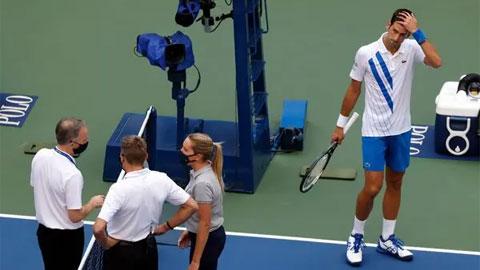 Trước Djokovic, có tay vợt nào từng bị truất quyền thi đấu vì lỗi tương tự