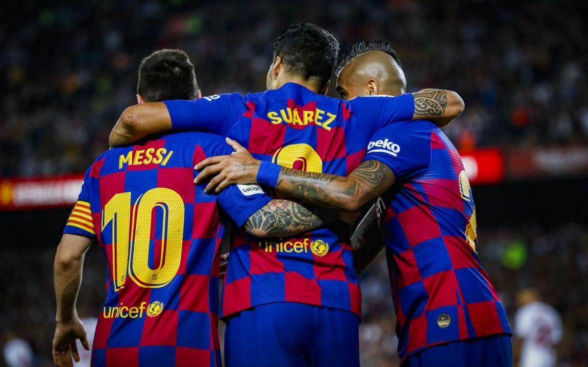 Hai chiến hữu của Messi là Suarez và Vidal đã không còn ở Camp Nou