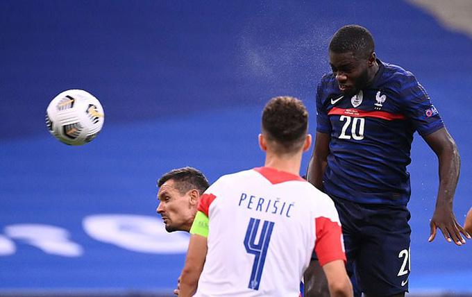 Upamecano giúp Pháp vươn lên dẫn 3-2