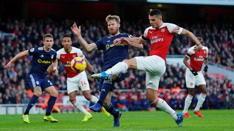 Granit Xhaka (phải) và đồng đội sẽ giúp Arsenal có chiến thắng thứ 6 liên tiếp trước Fulham