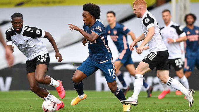 Willian có màn trình diễn bùng nổ trước đội bóng mới thăng hạng Fulham