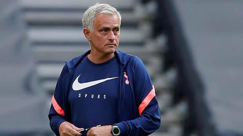 Mourinho bức xúc về lịch thi đấu: 'Đá 9 trận trong 22 ngày thì không phải là người'
