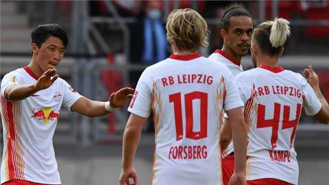 Hwang Hee-Chan lập công, RB Leipzig dễ dàng vào vòng 2 Cúp Quốc gia Đức