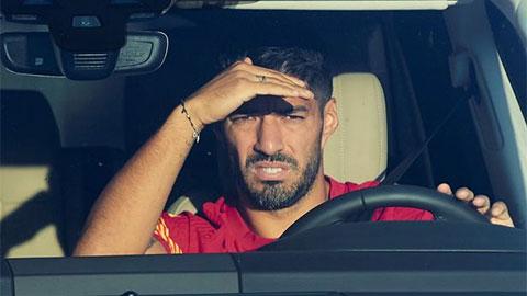 Barca 'đuổi cùng diệt tận' Suarez