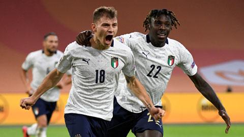 Nicolo Barella (bìa trái) ăn mừng bàn thắng vào lưới Hà Lan mới đây