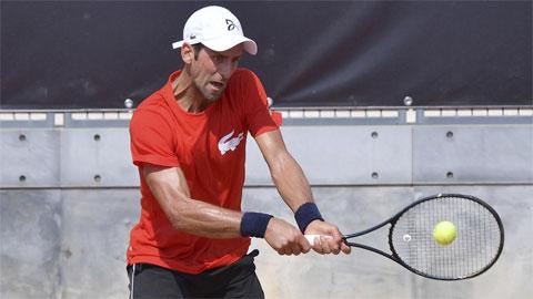 Wawrinka 'tan chảy' ở Rome, Djokovic tái ngộ người cũ