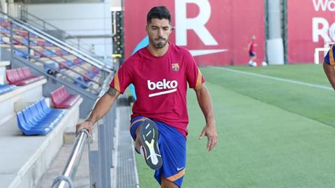 Vì hộ chiếu, Suarez có thể gặp khó trong việc chuyển tới Juventus