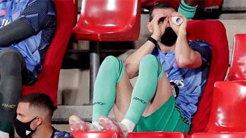 Tại sao Real nhất quyết tống cổ Bale ngay?