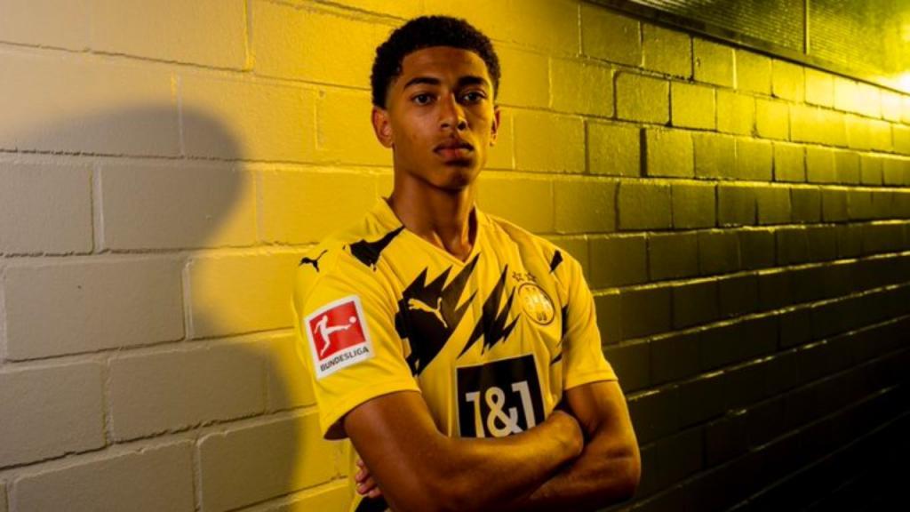 Bellingham là cầu thủ 17 tuổi đắt giá nhất thế giới