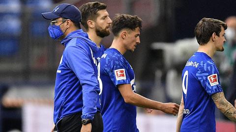 Schalke chiến đấu để… tồn tại