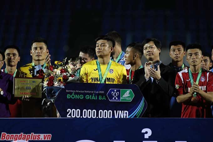 Than.QN đoạt hạng Ba, với số tiền thưởng là 200 triệu đồng
