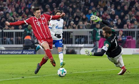 Cái duyên ghi bàn của Lewandowski với mành lưới Schalke sẽ giúp Bayern đại thắng trận ra quân