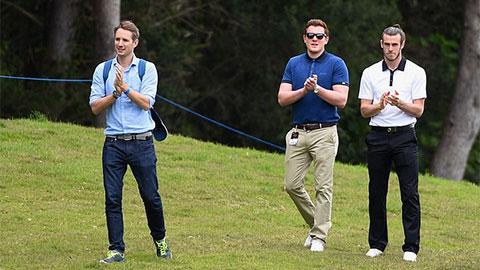 Bale đi đánh golf với chủ tịch Levi và giám đốc tuyển trạch của Tottenham
