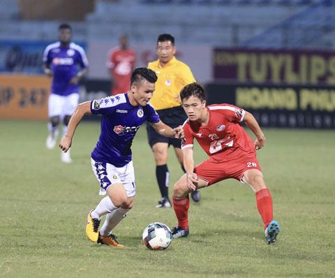 Viettel (phải) và Hà Nội FC nhiều khả năng sẽ đưa nhau đến chấm 11m để phân định thắng bại Ảnh: ĐỨC CƯỜNG