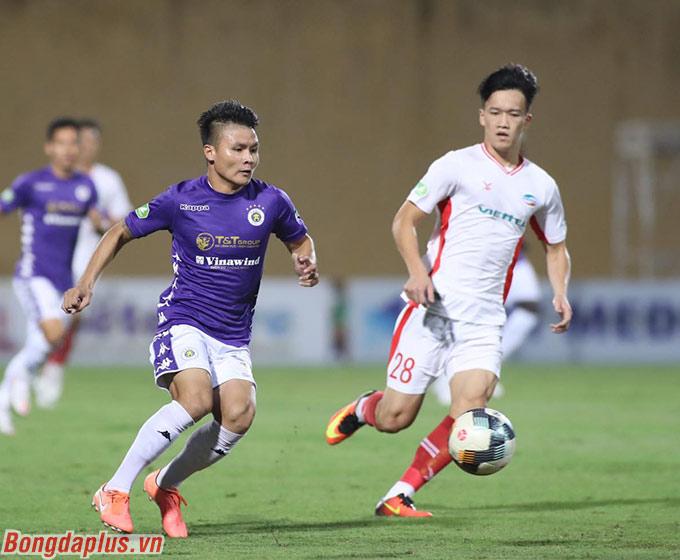 Tuy nhiên trong 2 trận đấu tứ kết và bán kết, Quang Hải đã ghi tới 3 bàn, 3 kiến tạo và kiếm về 1 quà penalty