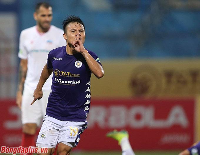 Tuy nhiên anh vẫn xuất hiện đúng lúc đúng chỗ để mang về bàn thắng quyết định giúp Hà Nội FC thắng 2-1 Viettel