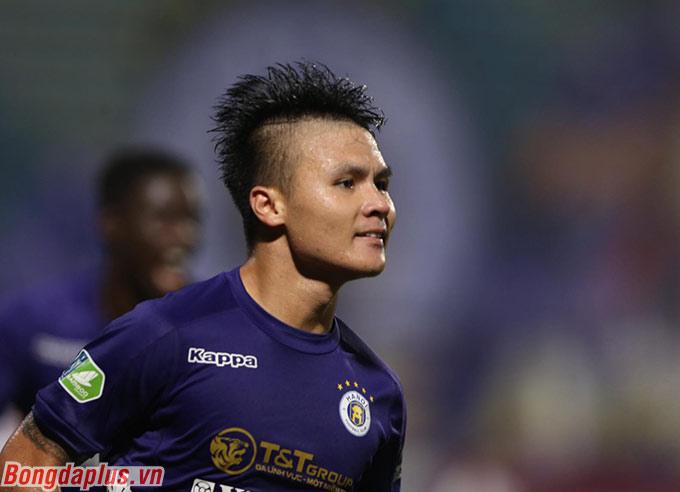 """Chàng trai quan trọng của đội bóng thủ đô có thể xem như một """"bigcityboi"""". Anh luôn tỏa sáng trong những thời điểm Hà Nội FC gặp khó khăn"""