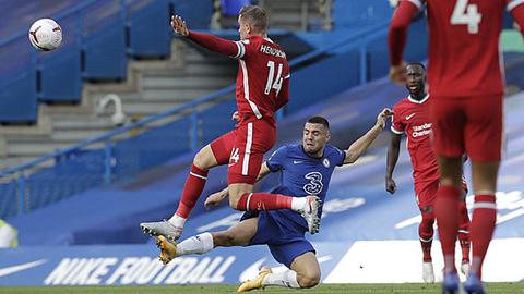 Liverpool toát mồ hôi với chấn thương của Henderson