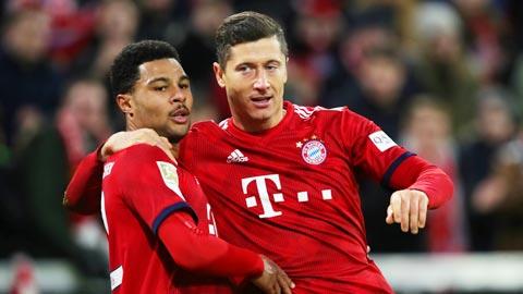 Gnabry (trái) đang dần thay thế Lewy để thành cầu thủ quan trọng nhất của Bayern