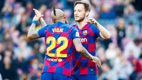Vidal và Rakitic đều bị Barca đẩy đi không thương tiếc