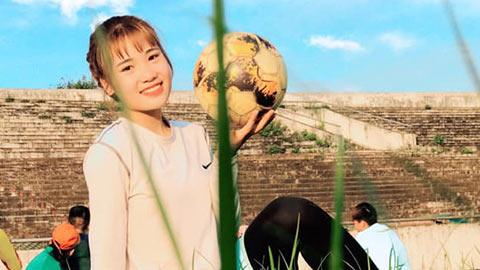 Hot girl 17 tuổi vùng cao Thanh Hóa lên Thái Nguyên đá bóng
