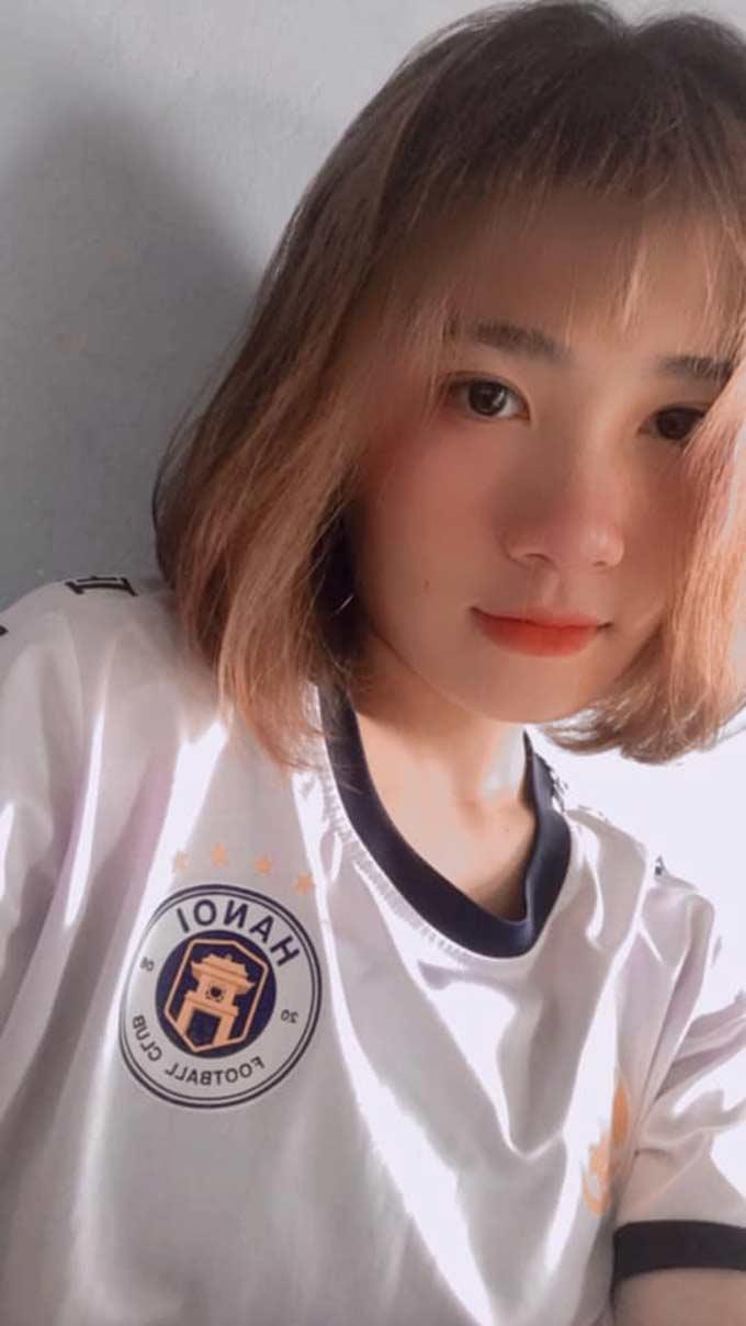 Đến lúc này, Hà Thị Thùy vẫn ở trạng thái độc thân. Cô muốn dồn toàn lực cho bóng đá trước khi nghĩ đến chuyện yêu đương
