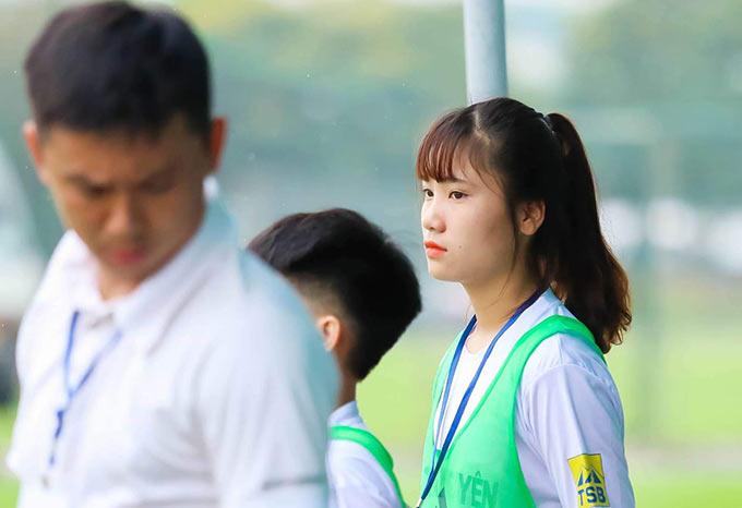 Tính đến nay, Hà Thị Thùy mới tròn 1 năm rưỡi được trải qua môi trường bóng đá chuyên nghiệp của một CLB nữ tại Việt Nam